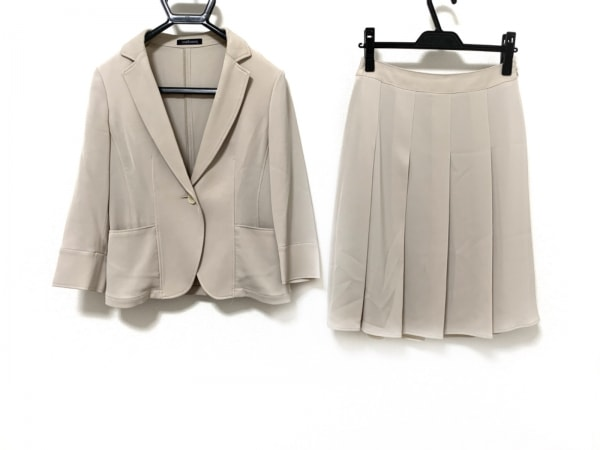 ニューヨーカー スカートスーツ サイズ9 M レディース美品  ベージュ プリーツ