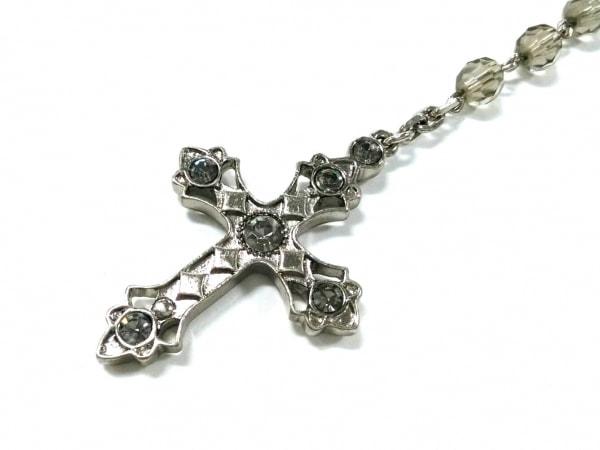 ロイスクレヨン ネックレス 金属素材×ラインストーン シルバー×マルチ クロス