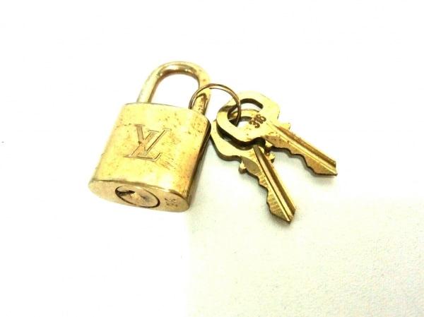 LOUIS VUITTON(ルイヴィトン) 小物 パドロック R10000 ゴールド 316 真鍮