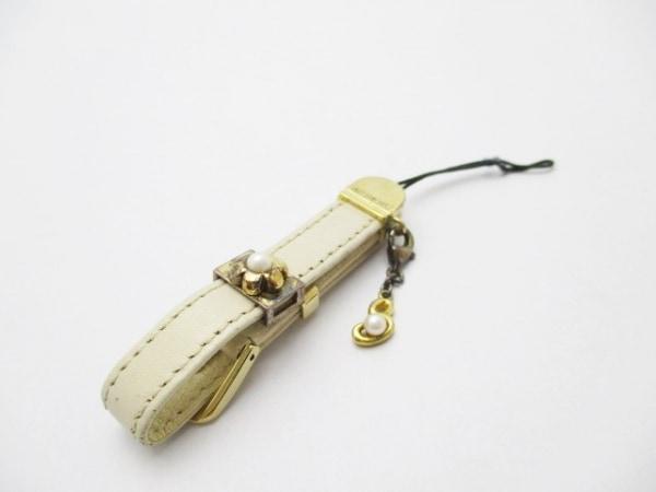 mikimoto(ミキモト) 携帯ストラップ アイボリー×ゴールド パール×レザー×金属素材