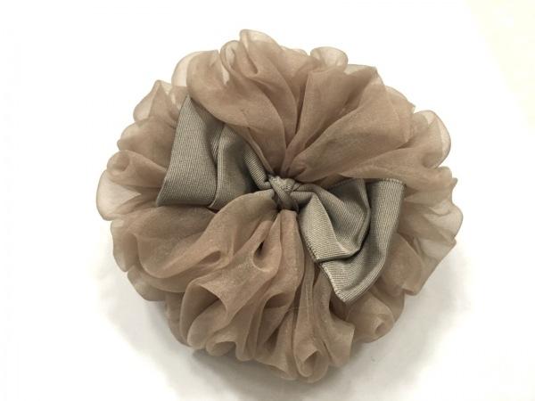 ラドロー アクセサリー美品  化学繊維×サテン ベージュ×グレー ヘアゴム/フラワー