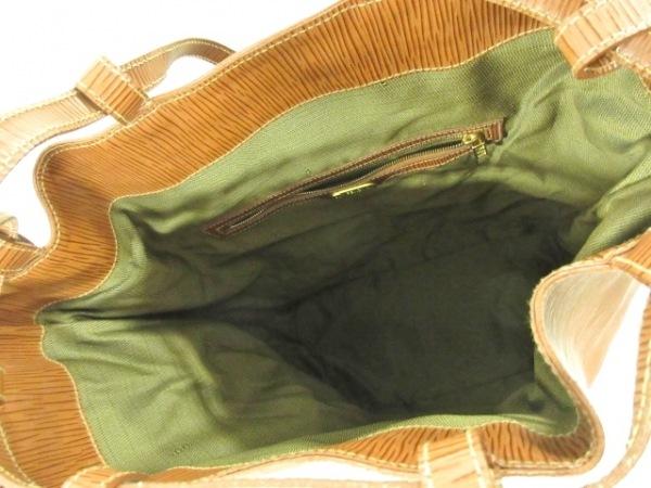フェンディ ワンショルダーバッグ - - ブラウン※実物は1枚目の画像に近いです。