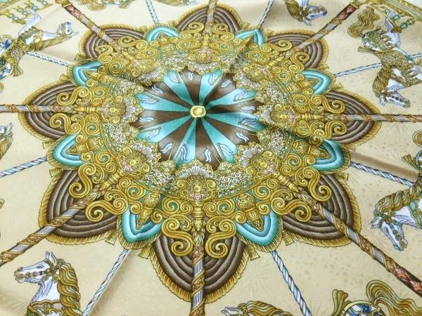 HERMES(エルメス) スカーフ美品  カレ ベージュ×白×マルチ LUNAPARK