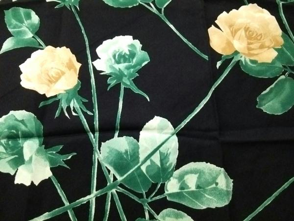 クリスチャンディオール スカーフ美品  黒×ベージュ×マルチ フラワー