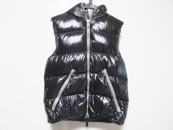 DUVETICA(デュベティカ) ダウンベスト サイズ46 S メンズ美品  ARISTEO 黒 冬物