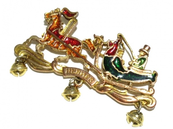 HERMES(エルメス) ブローチ - 金属素材 ゴールド×マルチ 馬/ソリ