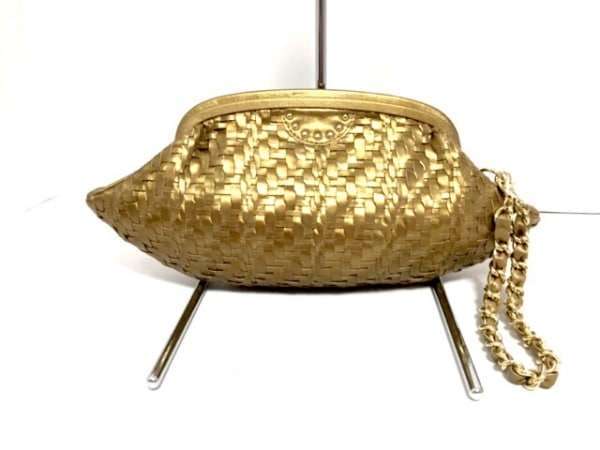 selvedge(セルヴィッジ) クラッチバッグ新品同様  ゴールド 編み込み レザー