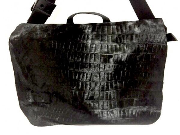 selvedge(セルヴィッジ) ショルダーバッグ美品  黒 2way ハラコ×サテン