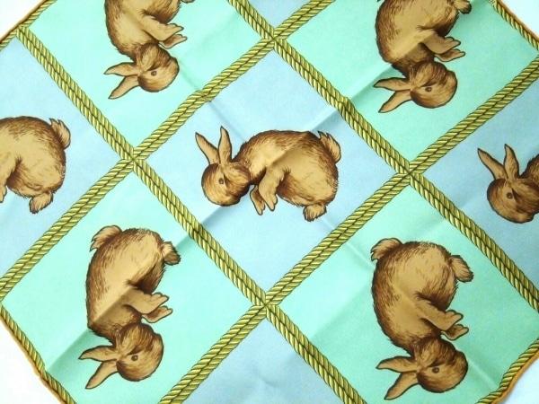 HERMES(エルメス) スカーフ美品  プチカレ ライトグリーン×ブラウン×マルチ ウサギ