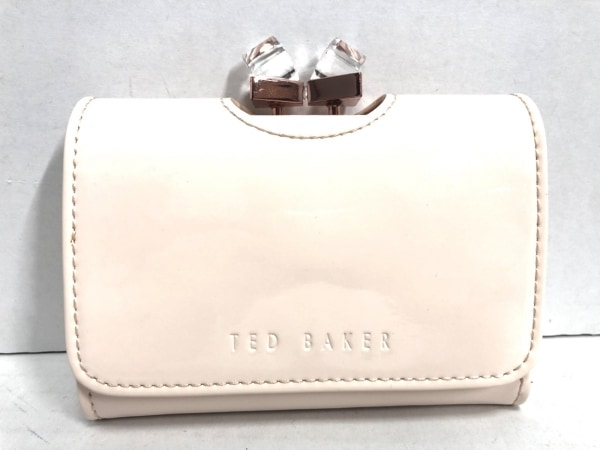 TED BAKER(テッドベイカー) 2つ折り財布 ピンク がま口 エナメル(レザー)