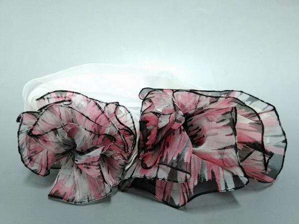 GUCCI(グッチ) ストール(ショール)美品  ピンク×黒×アイボリー フラワー シルク