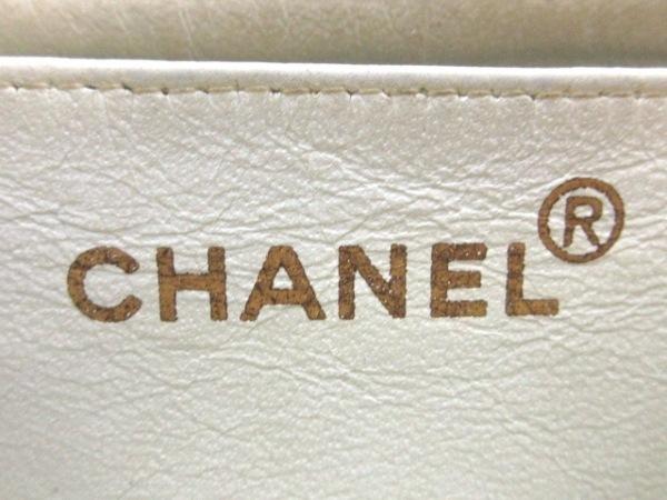 CHANEL(シャネル) ショルダーバッグ キャビアスキン 白 ゴールド金具 7