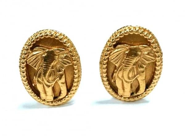 SalvatoreFerragamo(サルバトーレフェラガモ) イヤリング - 金属素材 ゴールド