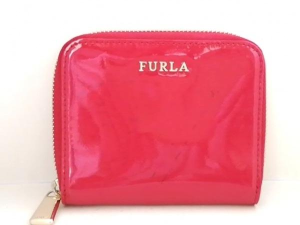FURLA(フルラ) 2つ折り財布 レッド ラウンドファスナー エナメル(レザー)