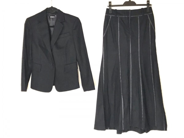 DKNY(ダナキャラン) スカートスーツ サイズ4 XL レディース美品  黒