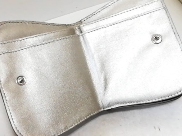 SANPO(サンポー) Wホック財布 ボルドー 型押し加工 レザー