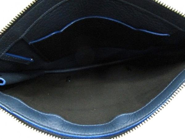 FURLA(フルラ) クラッチバッグ ブルー×黒 ファー×レザー