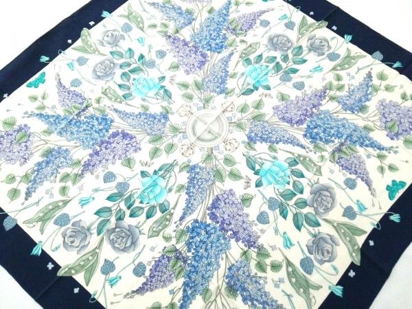 GUCCI(グッチ) スカーフ美品  白×ブルー×マルチ 花柄