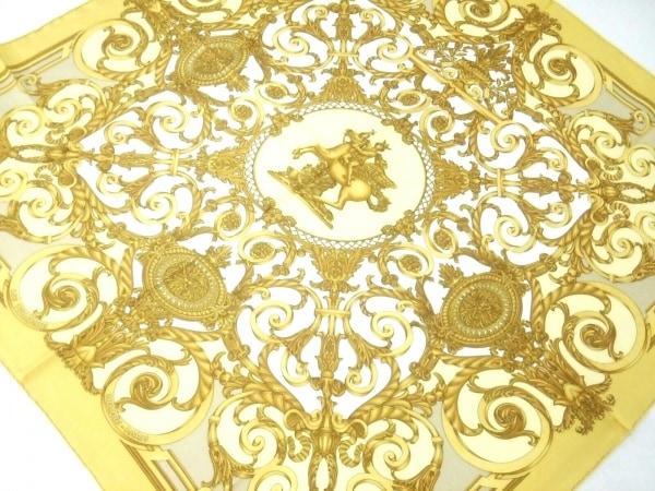 HERMES(エルメス) スカーフ美品  カレ ゴールド×イエロー×マルチ