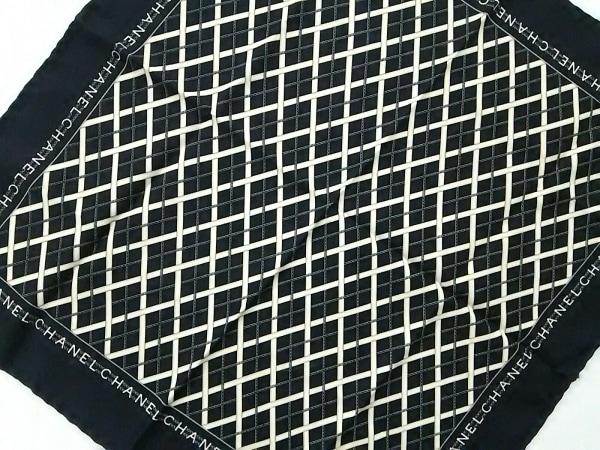 CHANEL(シャネル) スカーフ美品  黒×アイボリー×マルチ チェック柄/チェーン