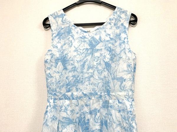 マイストラーダ オールインワン サイズ38 M レディース 白×ライトブルー 花柄