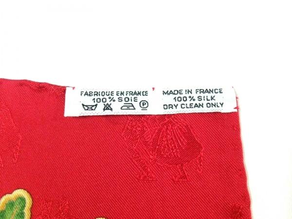 HERMES(エルメス) スカーフ美品  カレ レッド×白×マルチ Joies d'Hiver
