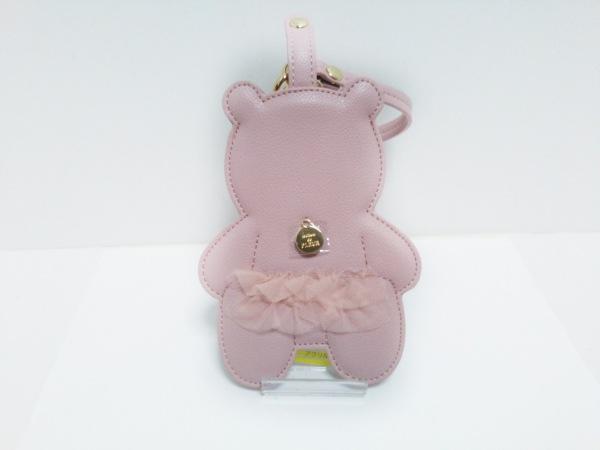 Maison de FLEUR(メゾンドフルール) カードケース美品  ピンク クマ 合皮×ナイロン