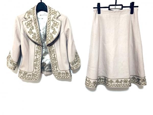 グレースコンチネンタル スカートスーツ サイズ38 M レディース美品  ベージュ 刺繍