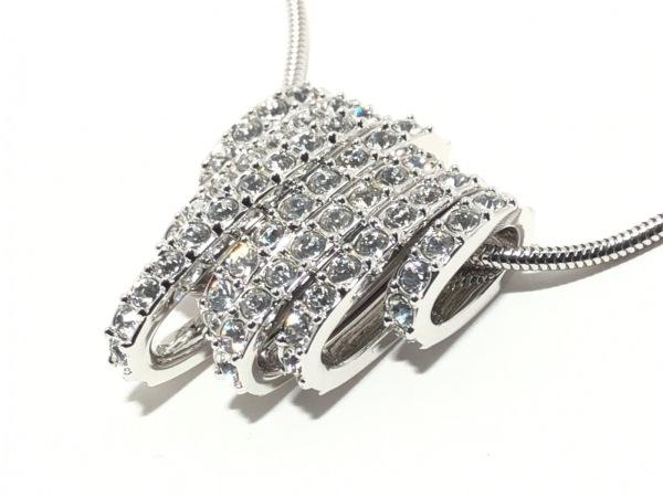 SWAROVSKI(スワロフスキー) ネックレス美品  スワロフスキークリスタル×金属素材
