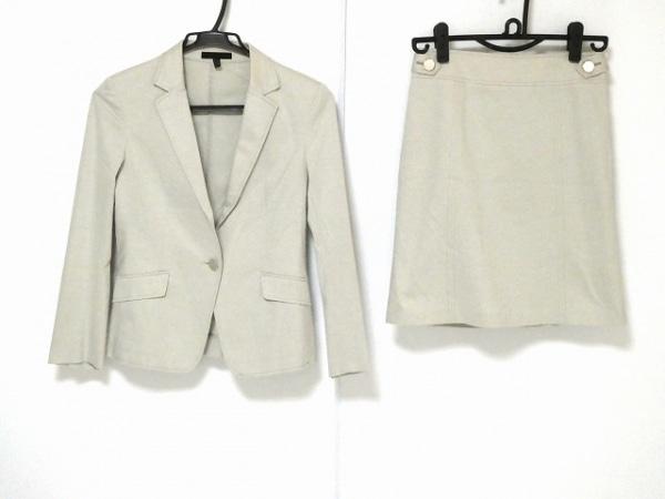 ICB(アイシービー) スカートスーツ サイズ7 S レディース美品  アイボリー