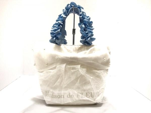 メゾンドフルール トートバッグ美品  白×ブルー フリル 化学繊維×フェイクパール