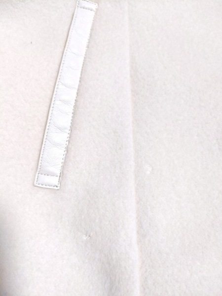 INDIVI(インディビ) コート サイズ38 M レディース美品  アイボリー 冬物/ショート丈
