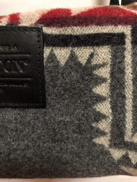 ペンドルトン ショルダーバッグ美品  ダークグレー×黒×マルチ ウール×レザー