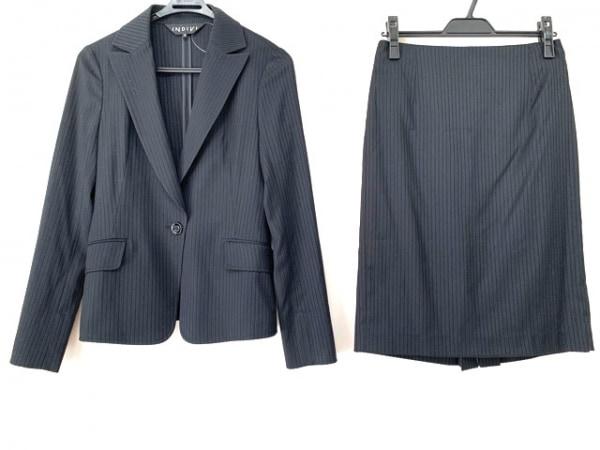 インディビ スカートスーツ サイズ38 M レディース美品  黒×ライトグレー ストライプ