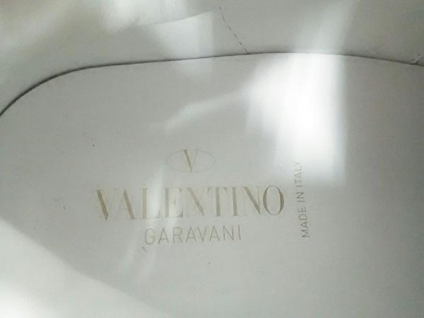 バレンチノガラバーニ スニーカー 38 レディース ロックスタッド アンタイトルド 白