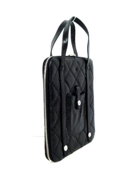 CHANEL(シャネル) バッグ美品  マトラッセ 黒 タブレットケース ヴィンテージレザー