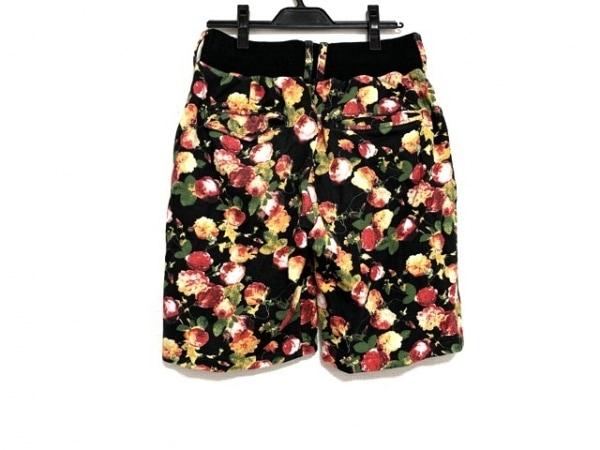 NOID(ノーアイディー) ハーフパンツ サイズ1 S メンズ 黒×レッド×マルチ 花柄