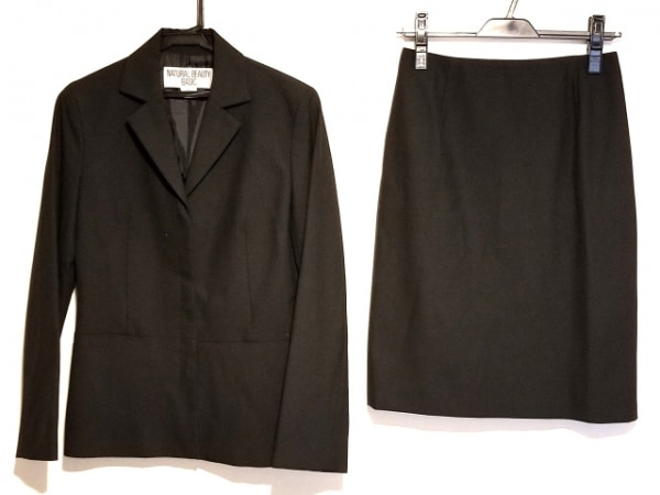 ナチュラルビューティー ベーシック スカートスーツ サイズ36 S レディース 黒
