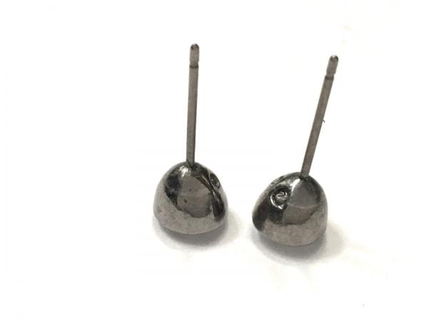 SWAROVSKI(スワロフスキー) ピアス スワロフスキークリスタル×金属素材