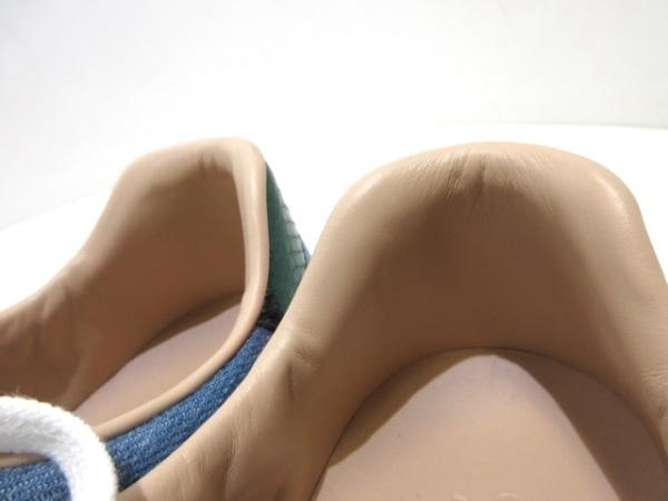 グッチ スニーカー 7 1/2 レディース美品  シェリー 刺繍/フラワー 7