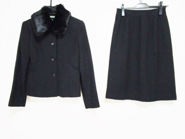 NEW YORKER(ニューヨーカー) スカートスーツ レディース 黒 ファー/ラメ
