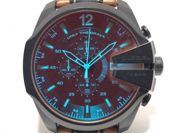 DIESEL(ディーゼル) 腕時計 DZ-4305 メンズ 角度により風防が赤く見えます。 黒