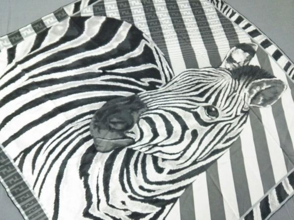FENDI(フェンディ) スカーフ 黒×グレー×ライトグレー シマウマ