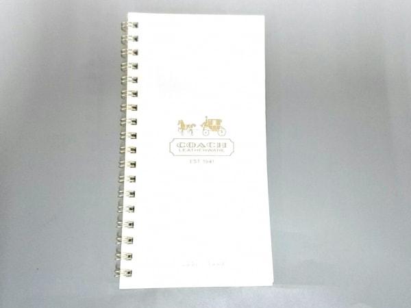 COACH(コーチ) 小物美品  白 アドレス帳 ペーパー