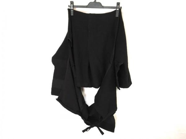 COMMEdesGARCONS(コムデギャルソン) ショートパンツ レディース美品  黒 変形デザイン