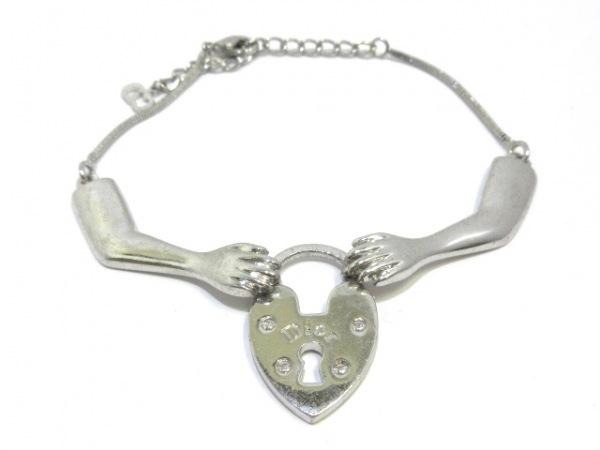 ChristianDior(クリスチャンディオール) ブレスレット 金属素材 シルバー ハート/鍵