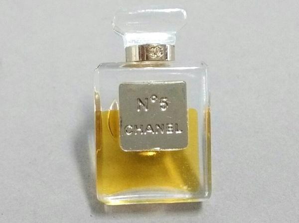 CHANEL(シャネル) ブローチ美品  プラスチック×金属素材 クリア×ゴールド