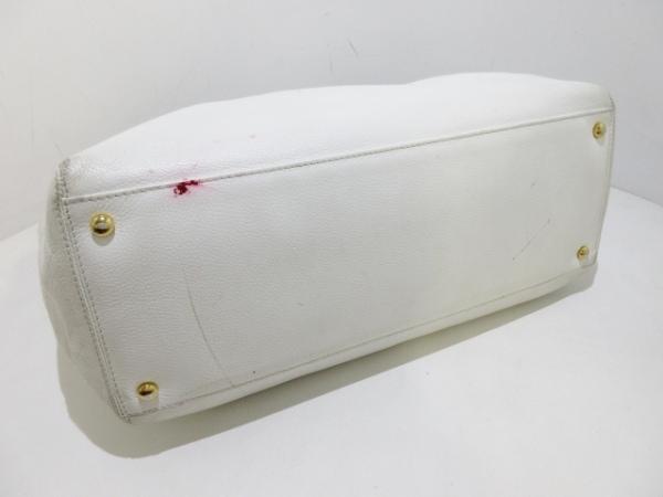 CHANEL(シャネル) トートバッグ - 白 ゴールド金具 レザー