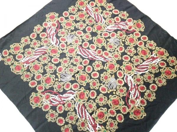 CHANEL(シャネル) スカーフ美品  黒×レッド×マルチ