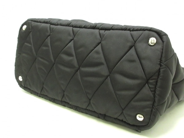 PRADA(プラダ) ショルダーバッグ美品  - 1BG169 黒 キルティング ナイロン×レザー